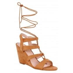 Beżowe, wiązane sandały na koturnach Vices