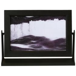 Obraz w formacie 15×21 cm, oprawiony w ramę  plastikową z fioletowym piaskiem