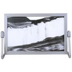 Obraz w formacie 15×21 cm, oprawiony w ramę  aluminiową z podstawką metalową z czarnym piaskiem